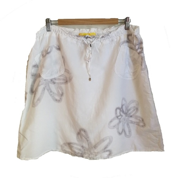 Lole Dresses & Skirts - Lole white with grey flowers linen skirt